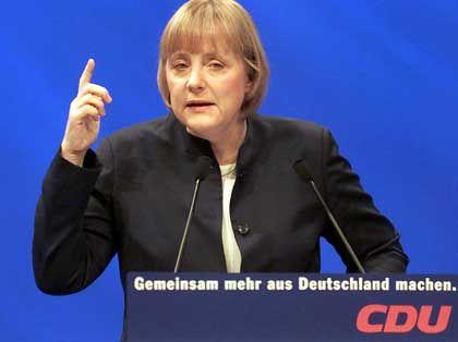 CDU-Chefin Angela Merkel: Im Zweifel für den Krieg