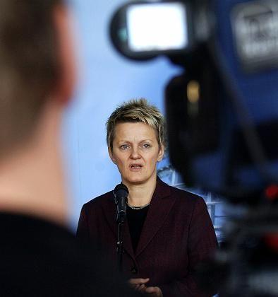 Grüne Fraktionschefin Renate Künast: Plötzliches Vertrauen in die Regierung