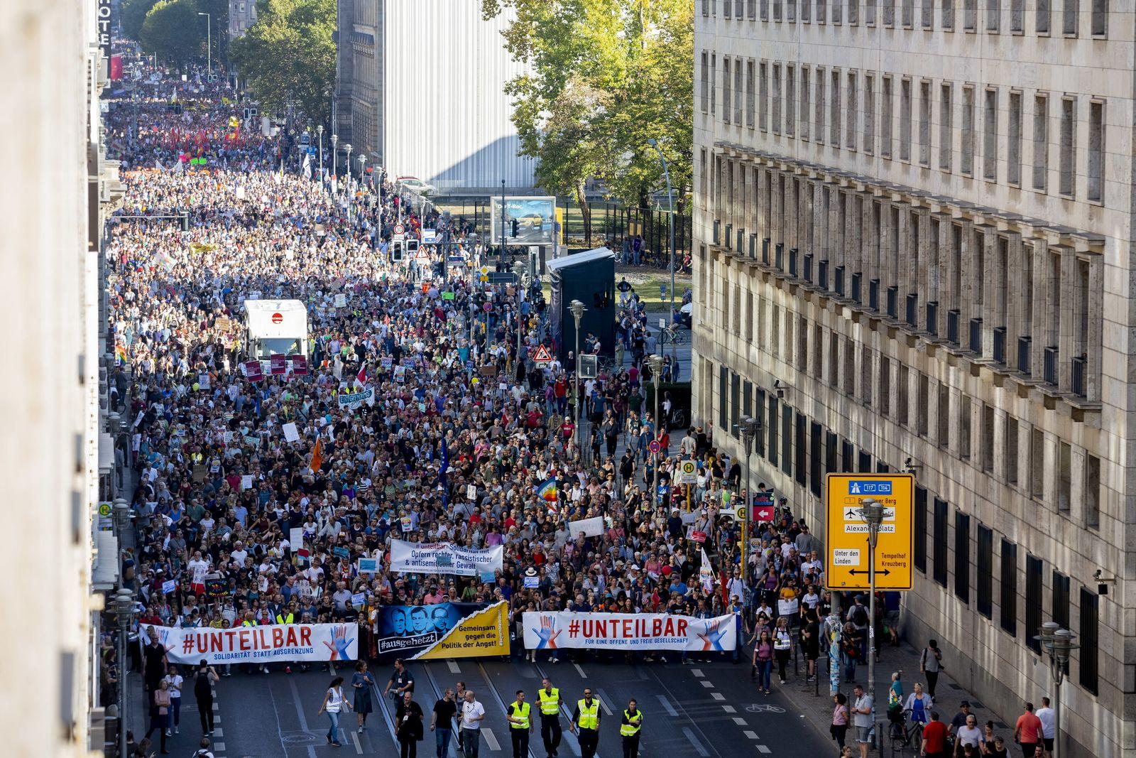 Berlin/ Kundgebung gegen Rassismus/ Unteilbar