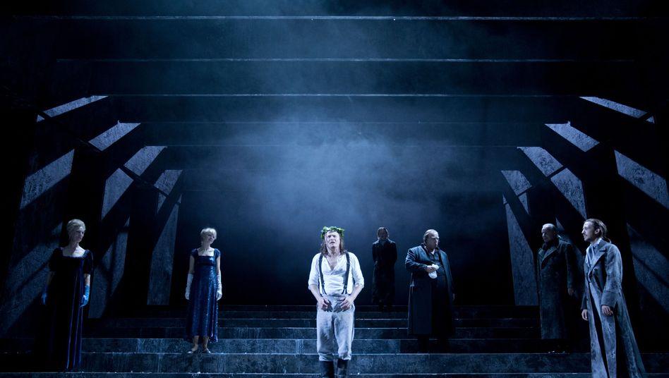"""Inszenierung von """"Prinz von Homburg"""" am Residenztheater"""
