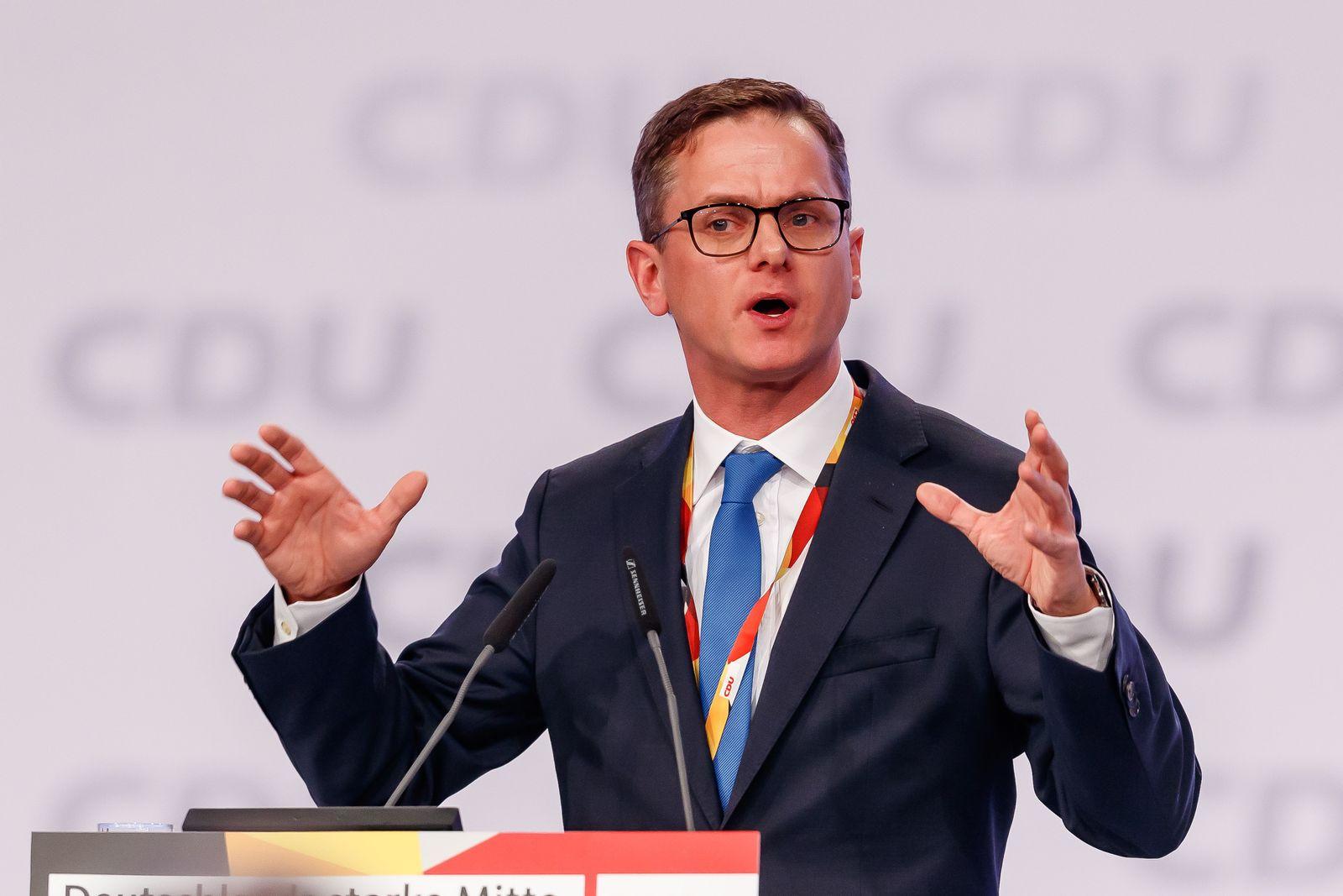 Leipzig, Deutschland, 22.11.2019, Parteitag der Christlich-Demokratischen Union, CDU, Carsten Linnemann (CDU) spricht, s