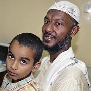 """Kameramann al-Hadsch nach seiner Rückkehr (mit seinem Sohn): """"Es ist ein Fehler gemacht worden"""""""