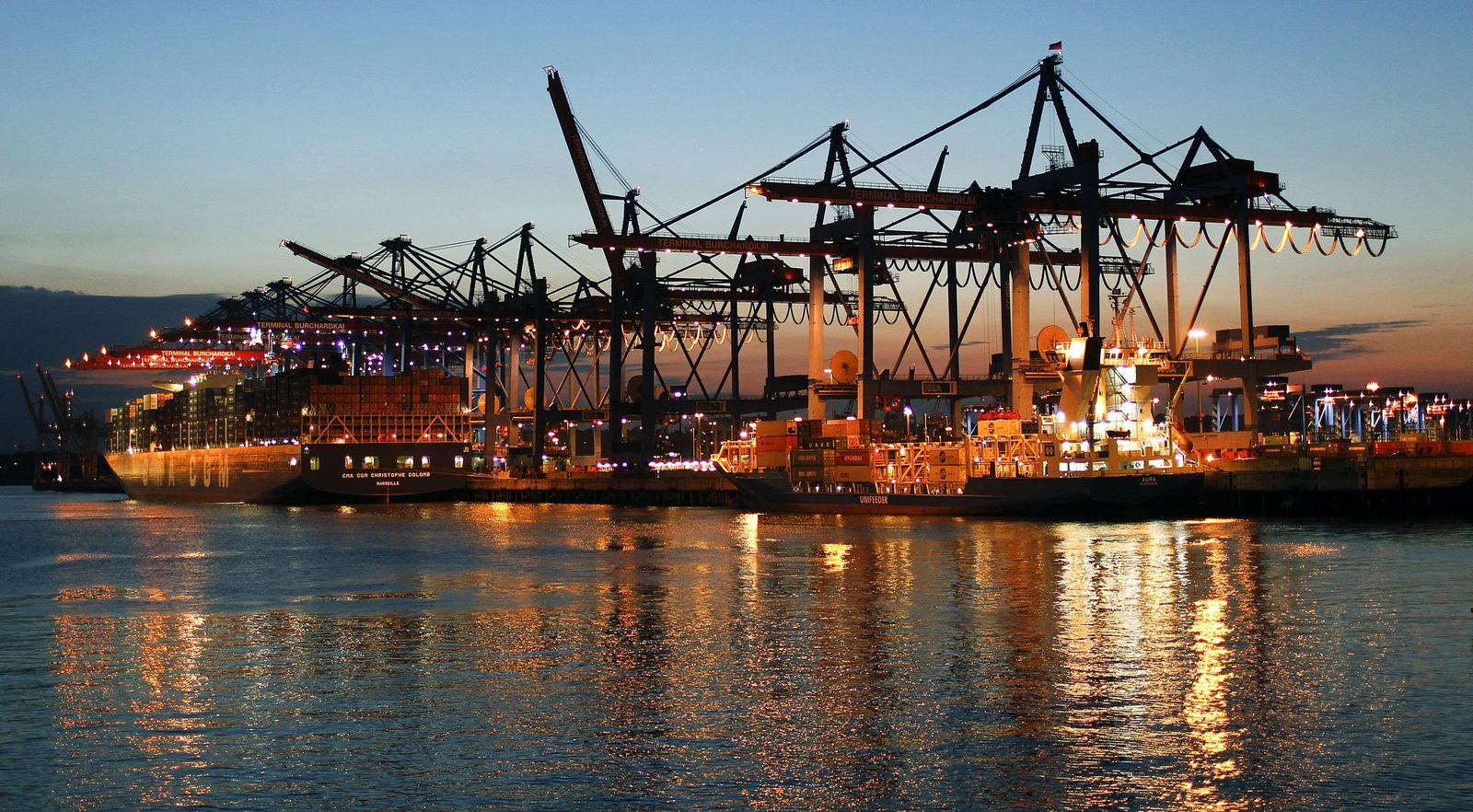 NICHT VERWENDEN Deutschland/ Export/ Containerhafen