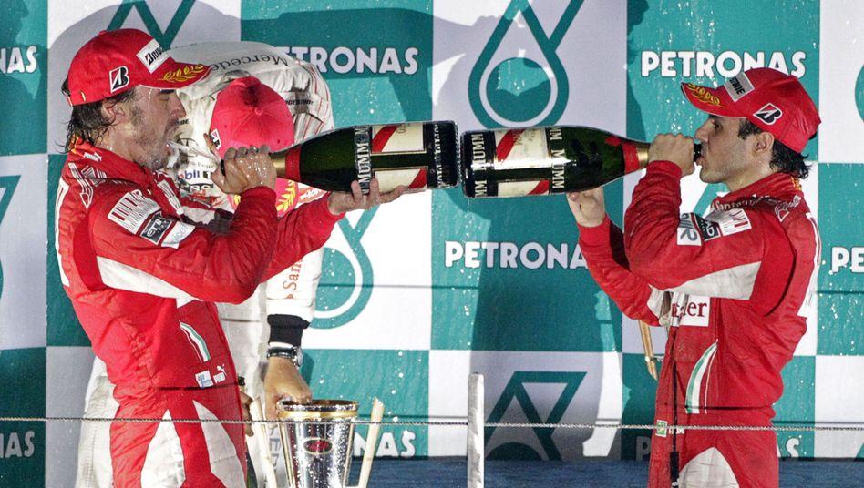 Ferrari-Piloten Alonso (l.), Massa: Neuer Angriff auf den WM-Titel
