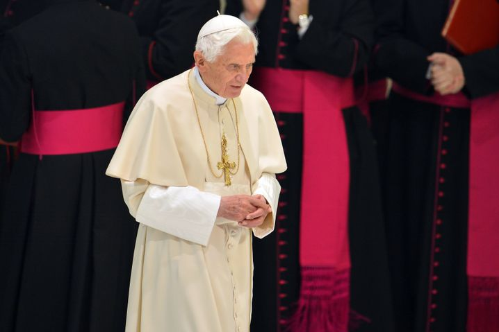 Papst Benedikt XVI.: Bitte um Trost