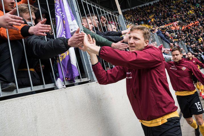Marco Hartmann nach dem bisher letzten Spiel von Dynamo in dieser Saison. Am 8. März schlug Dresden im Sachsen-Derby Aue mit 2:1