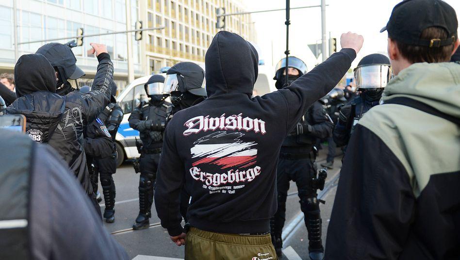 Die »Division Erzgebirge« ist ganz vorn dabei: Demonstration in Leipzig am 7. November