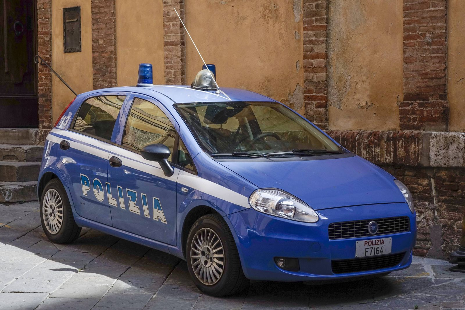EINMALIGE VERWENDUNG Polizei / Italien / Symbol