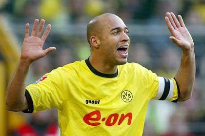 Dede: Der Brasilianer wurde am 18. April 1978 geboren und kam 1998 nach Dortmund, für den BVB absolvierte der Abwehrspieler bislang 152 Bundesligapartien und erzielte dabei acht Tore