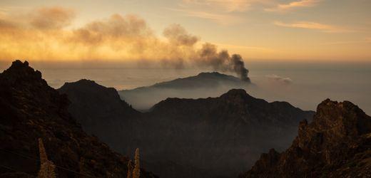 Vulkanausbruch auf La Palma: Lava nähert sich Meer – Ausgangssperre verhängt