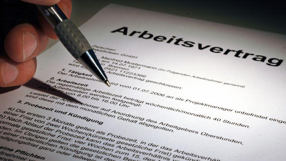 Arbeitsvertrag (Symbolfoto): neue Regeln für Arbeitgeber?