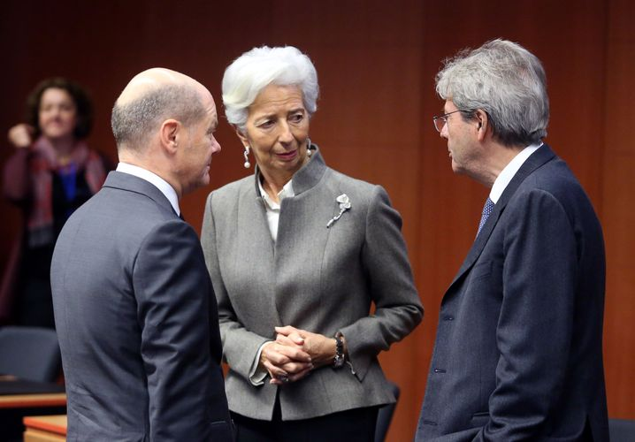 Gentiloni (r.) mit EZB-Chefin Christine Lagarde und Bundesfinanzminister Olaf Scholz (im Februar)