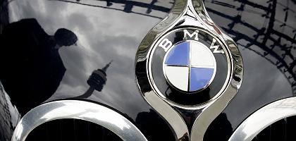 """Motorhaube eines BMW: """"Massiv eingetrübt"""""""