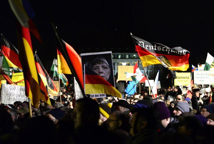 Pegida-Anhänger 2015 in Dresden
