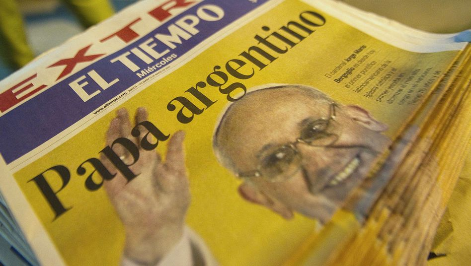 """Sonderausgabe einer Zeitung in Kolumbien: """"Argentinischer Papst"""""""