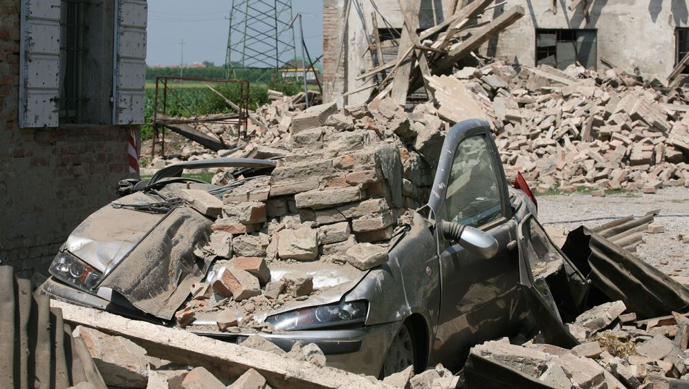 Photo Gallery: More Earthquakes Strike Northern Italy