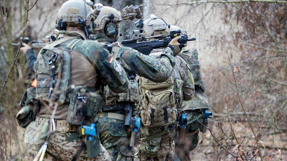 Soldaten des Kommandos Spezialkräfte bei einer Übung