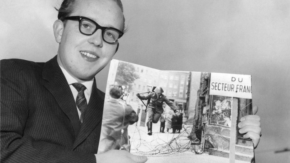 Fotograf Peter Leibing: Mit seinem berühmten Bild, das er hier 1962 präsentiert, gewann er einige Preise