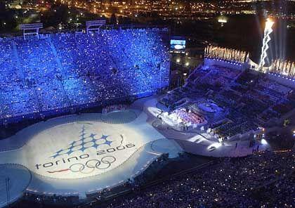 Ci vediamo a Torino: Auf der Eisfläche im Rice-Eccles-Stadion wird Turin als kommende Olympiastadt begrüßt