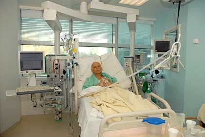Litvinenko photographed in a London hospital shortly before his death.