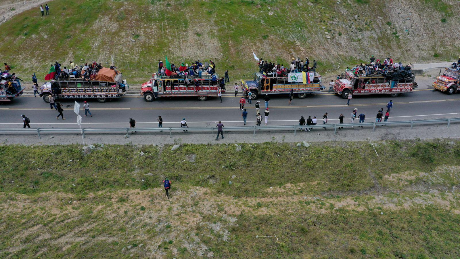 Indigenous Colombians Continue Caravan to Bogota Demanding Meeting With Duque