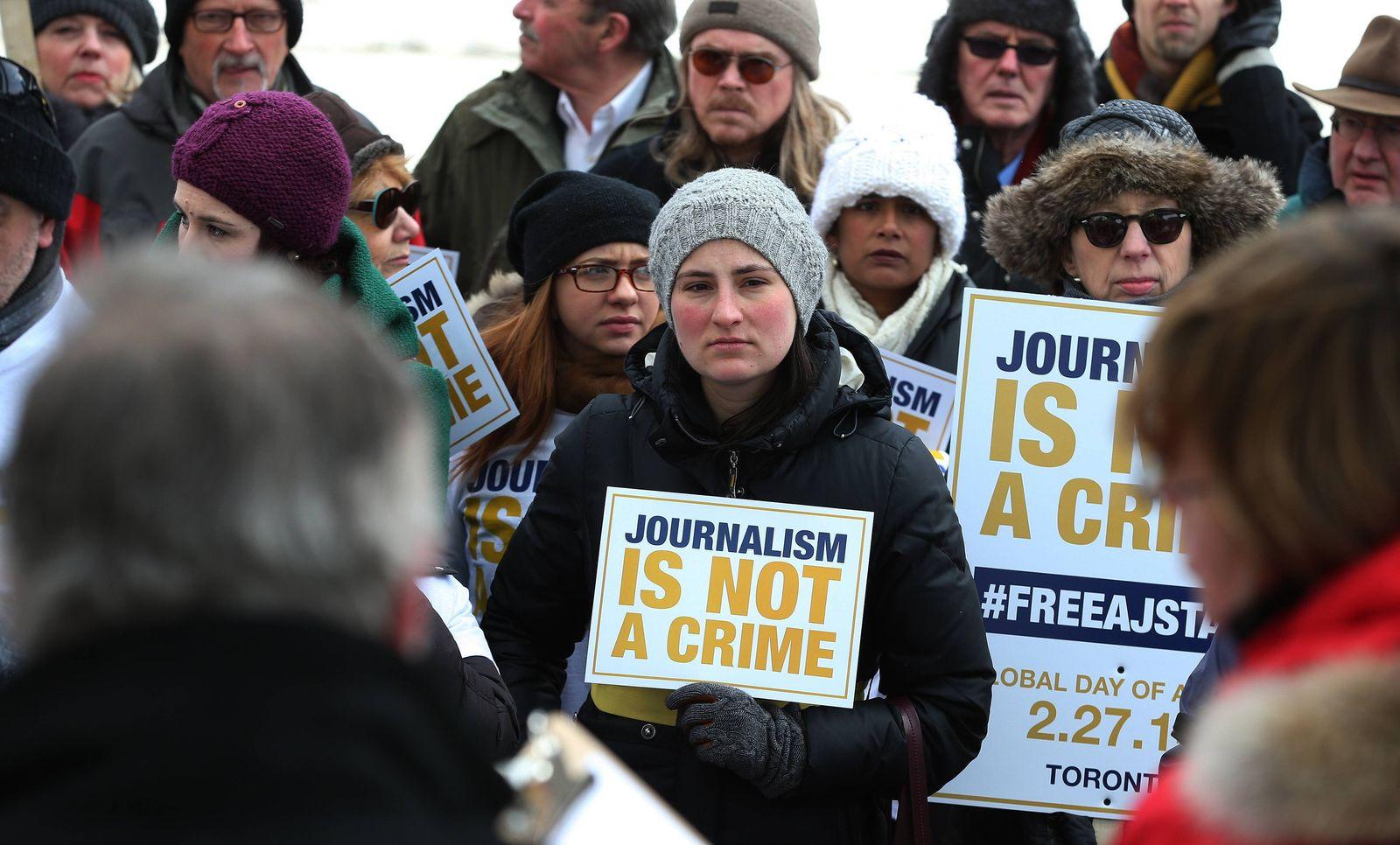EINMALIGE VERWENDUNG 65 Medienarbeiterinnen getötet