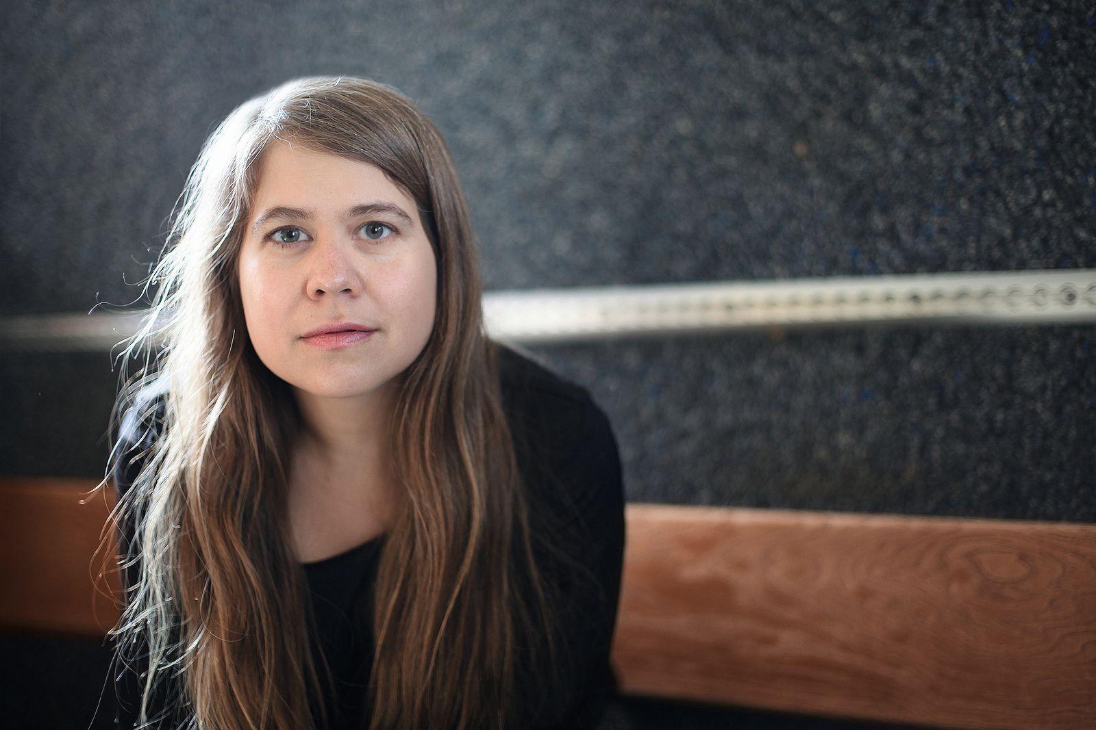 EINMALIGE VERWENDUNG Buch/ Julia von Lucadou: Die Hochhausspringerin