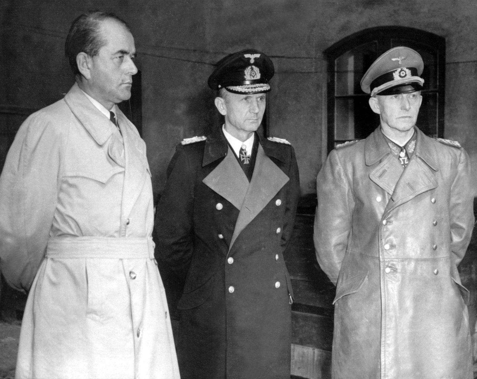 Reichsregierung in Flensburg verhaftet