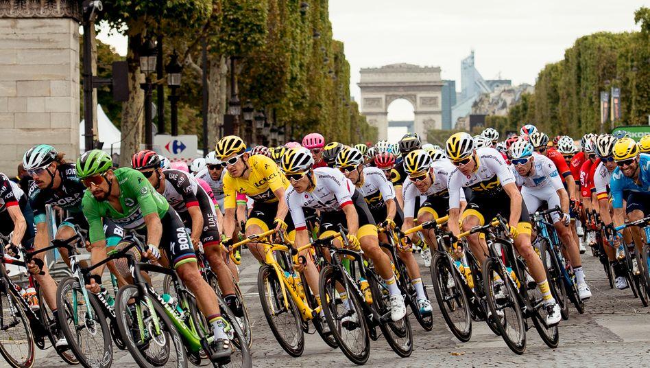 Massenankunft in Paris - ist so etwas in der Corona-Zeit denkbar?