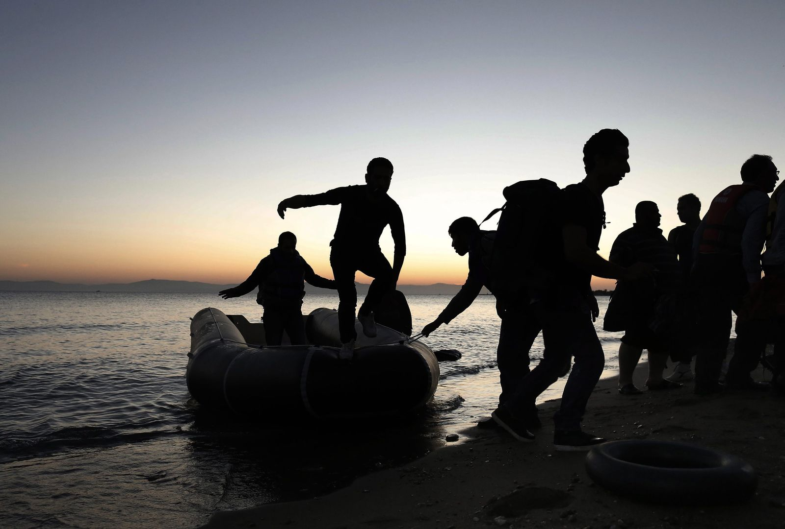Refugees arrive on the island of Kos