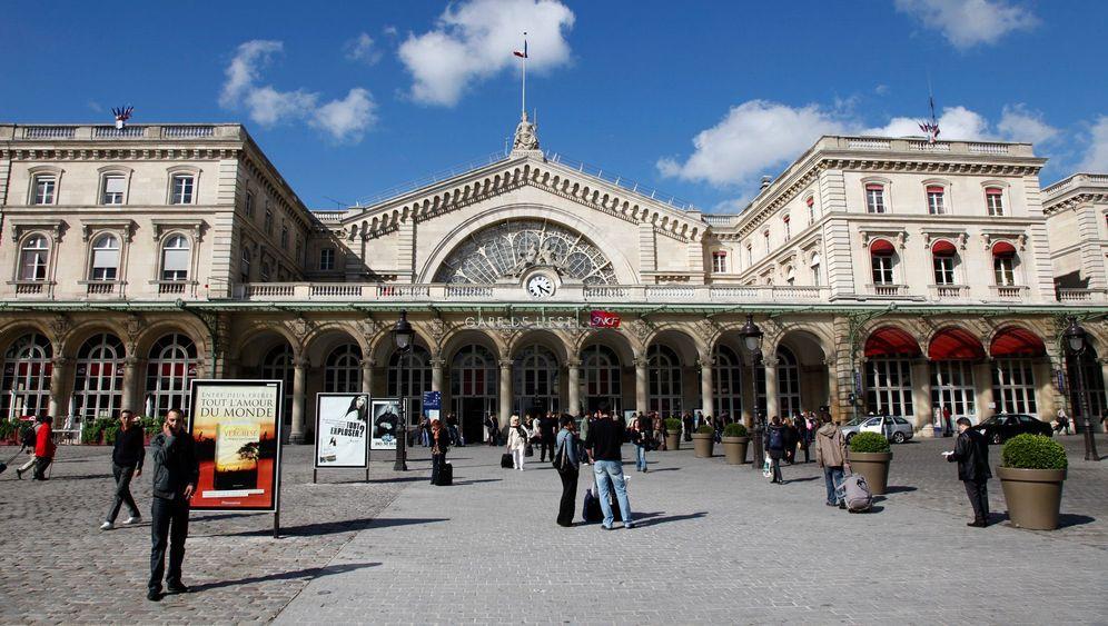 Gare de l'Est in Paris: Bahnhof der kleinen Details