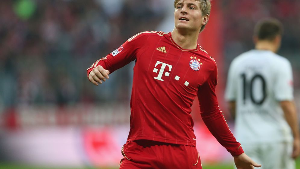 Bundesliga: Vier Platzverweise und ein Kantersieg