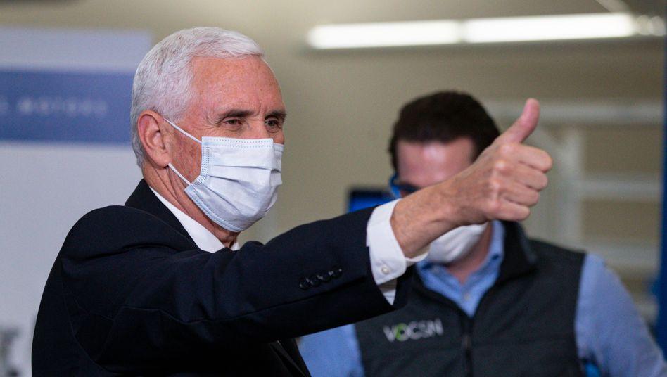 Mike Pence, Vizepräsident der USA, beim Besuch einer Fabrik von General Motors