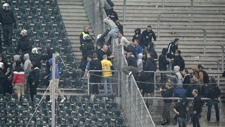 """Braunschweiger Fans (in Mönchengladbach): """"Völlig inakzeptabel"""""""