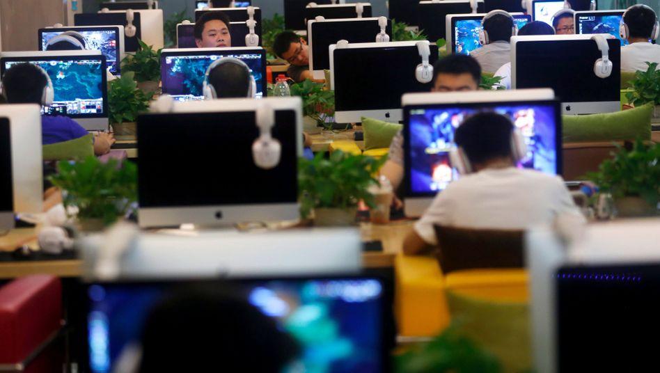 """Internetcafé in Peking: """"Probleme haben sich verschärft"""""""