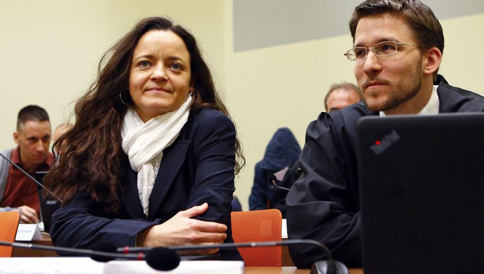 Angeklagte Beate Zschäpe und Verteidiger Mathias Grasel