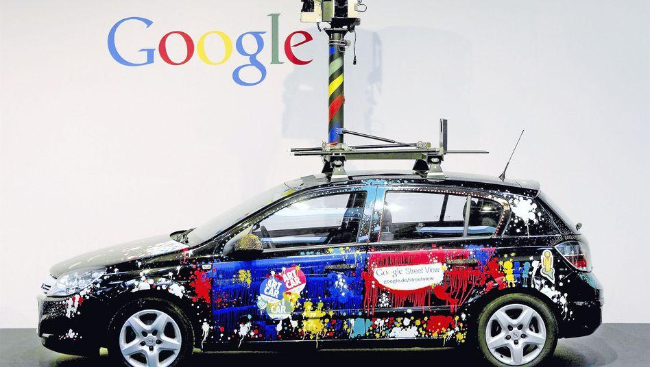 Google präsentiert Kamera-Autos auf der Cebit: Ministerin Aigner ist alarmiert