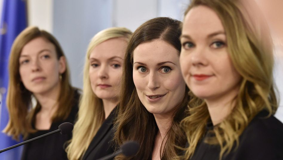 Bildungsministerin Li Andersson, Innenministerin Maria Ohisalo, Premierministerin Sanna Marin und Finanzministerin Katri Kulmuni (v.l.)