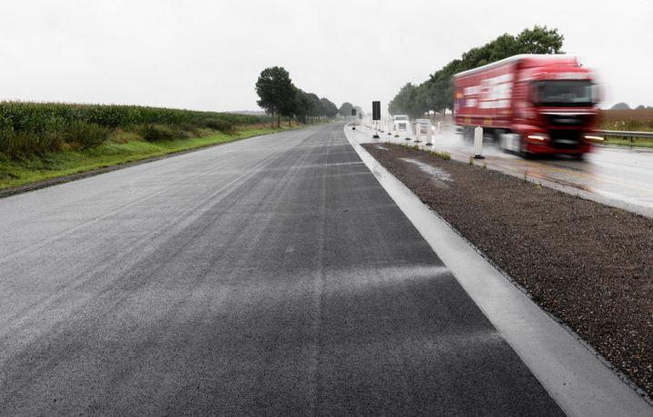 Lkw auf Autobahn A20