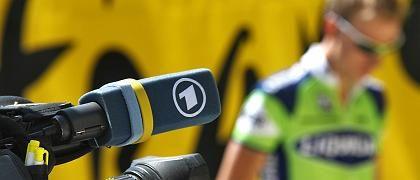 """Kamera mit ARD-Logo, Radprofi: """"Es musste klar Schiff gemacht werden"""""""