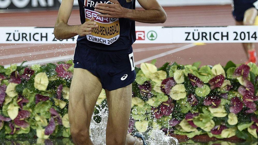 Disqualifizierter Hindernisläufer Mekhissi-Benabbad: Strip auf der Zielgeraden