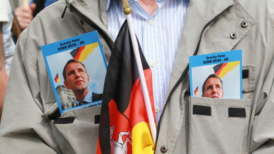 AfD-Anhänger des früheren »Flügel«-Frontmanns Björn Höcke: Zahlen dürfen weiter vom Verfassungsschutz genannt werden