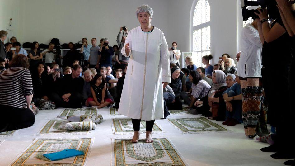 Seyran Ates bei der Eröffnung der Ibn-Rushd-Goethe-Moschee in Berlin