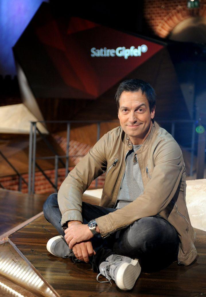 """Dieter Nuhr, Kabarettist, macht den """"Satire Gipfel"""" in der ARD"""