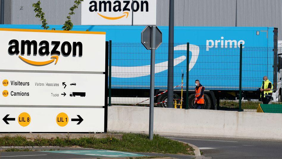 Auch in der Coronakrise läuft das Geschäft: Lager von Amazon in Nordfrankreich