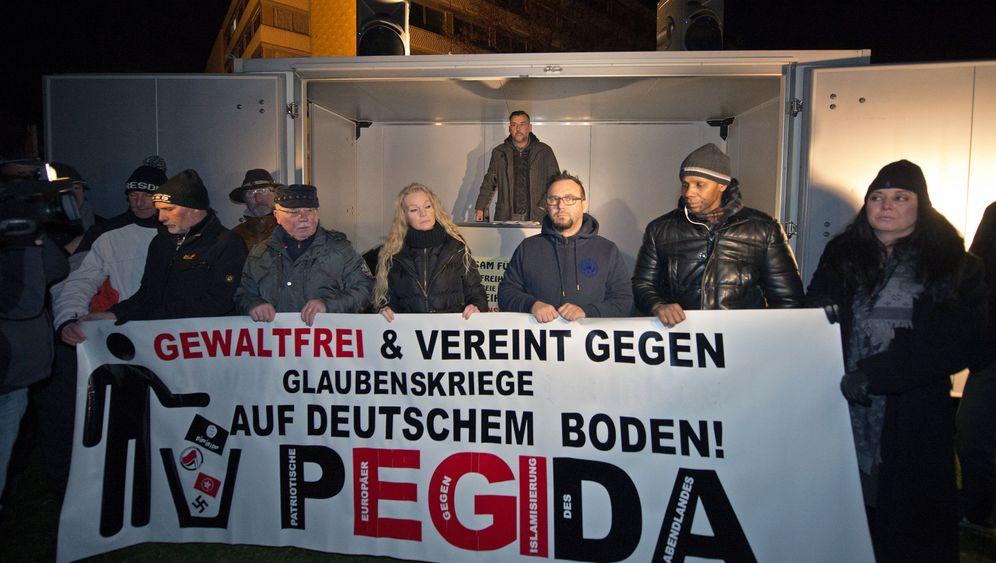 """Pegida: Furcht vor der """"Überfremdung"""""""