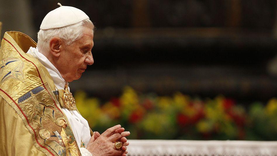 Papst Benedikt XVI. im Petersdom: Kondom erlaubt - um Aids zu verhüten
