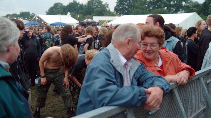 """Vibrationen in der deutschen Provinz: Szene aus """"Full Metal Village"""""""