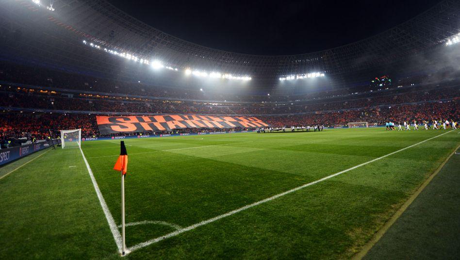 Stadion in Donezk: Angriffe auf zwei BVB-Mitarbeiter