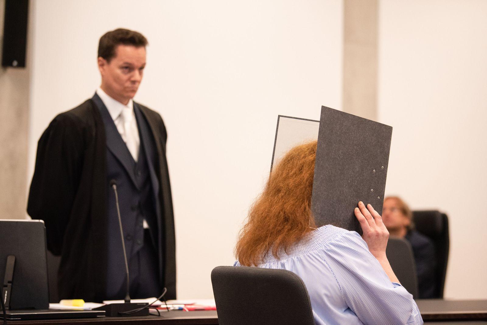 Auftakt im Mordprozess gegen Liebespaar